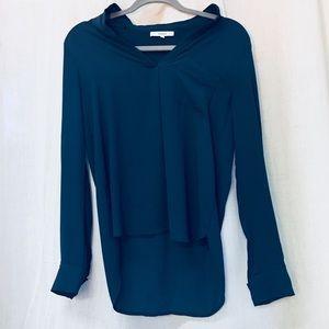 Blue wavy blouse